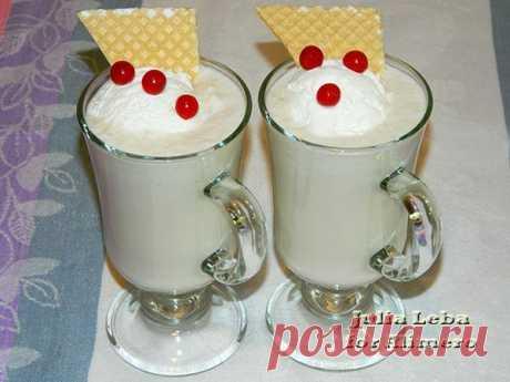 👌 Молочный коктейль с дыней и мороженым, рецепты с фото Молочные коктейли я люблю с детства! Наверное, сейчас я их чаще делаю даже не из-за вкуса, а именно тех воспоминаний, которые греют душу и невольно создают хорошее настроение ;)...