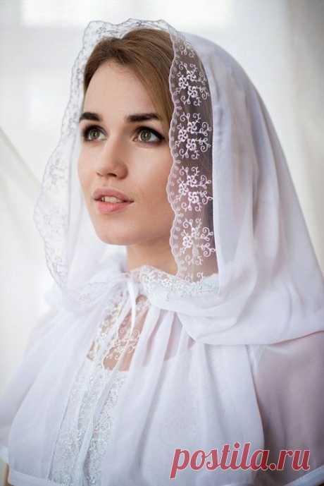 Такаявоздушная красота не требует квалификации швеи. Сшить платок для храма можно и самой.