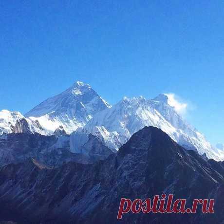 Вид на Эверест с вершины горы Гокиа Ри (5360 м). #эверест,#гокиари,#непал,#гималаи,#горы,#путешествия