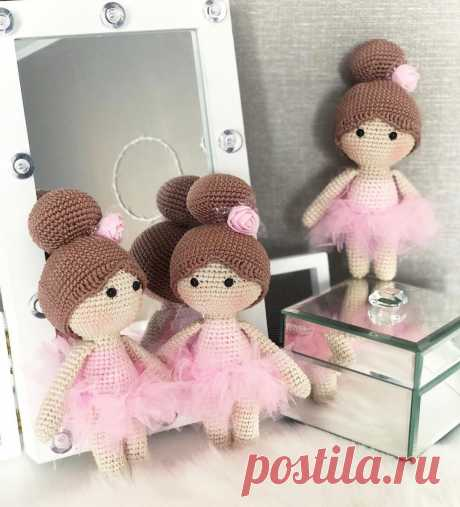 PDF Маленькие леди. FREE amigurumi crochet pattern. Бесплатная схема и описание вязания амигуруми крючком. Игрушки своими руками! Куколка, кукла, doll, puppet, muñeca, boneca, poupée, puppe, panenka, bebek, lalka. #амигуруми #amigurumi #amigurumidoll #amigurumipattern #freepattern #freecrochetpatterns #crochetpattern #crochetdoll #crochettutorial #patternsforcrochet #вязание #вязаниекрючком #handmadedoll #рукоделие #ручнаяработа #pattern #tutorial #häkeln #amigurumis #dolls #diy #tutorialcrochet