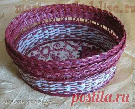 Basket with curls. MK on weaving from newspapers