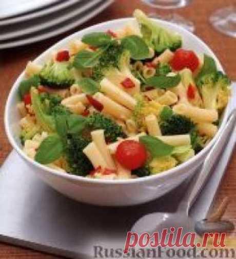 Макароны с помидорами и брокколи 4 порции 15 мин Любые фигурные макароны можно приготовить с таким простым соусом из брокколи и помидоров. Продукты (на 4 порции) Макароны фигурные мелкие - 230 г Брокколи (разобранная на соцветия) - 3 стакана Помидоры-черри - 8 шт...