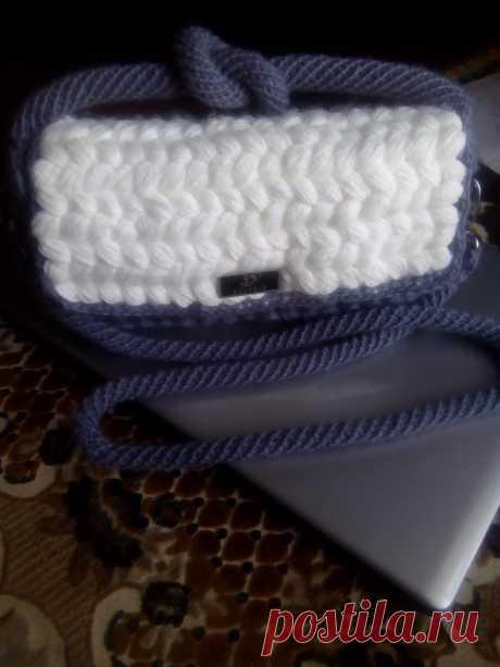 Вязанная сумка-клатч.