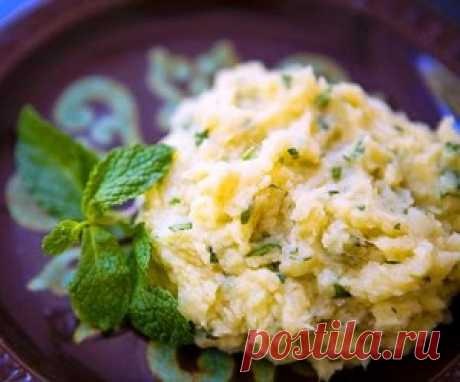 Картофельное пюре с зеленью и чесноком.   vkusnyymir