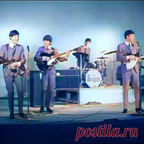 THE BEATLES - SHE LOVES YOU (in colour)