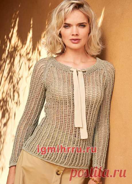 Пуловер с сетчатым узором и бантом. Вязание спицами со схемами и описанием