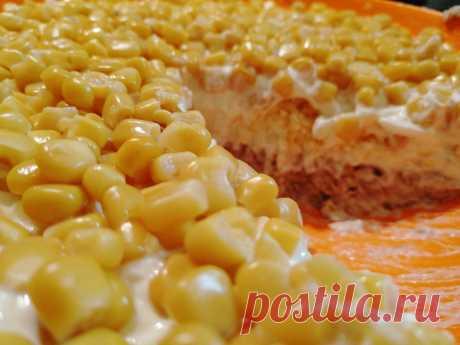 Красивый, вкусный и простой салат со скумбрией и кукурузой | ВСвете | Яндекс Дзен