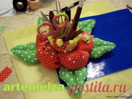 Шьем игольницу-стаканчик для швейных принадлежностей и цветочки