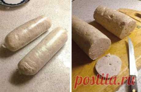Домашняя вареная колбаса   Вдвое меньше калорий, чем в покупной (на 100г. – около 130ккал.), да и сделанная своими руками)))     Филе куриное (или индейка) — 700 г   Сливки — 300 мл   Белок яичный — 3 шт   Соль   Перец черный   Приправы    1. Сырое филе режем на кусочки. Измельчаем охлажденное куриное (индюшиное) филе в блендере до кремообразного состояния, добавляем белки, перец и соль по вкусу. По желанию можно добавить мускатный орех.  2. Вливаем в фарш холодные сливки ...