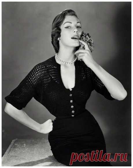 Fiona (nee Campbell-Walter), Baroness Thyssen 1951  Photo John French