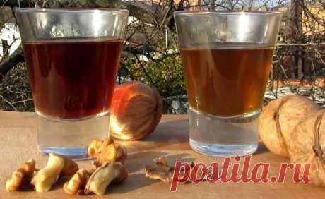 Настойка из перегородок грецкого ореха =     2 ст. л. перегородок грецкого ореха     водка (можно использовать медицинский спирт)