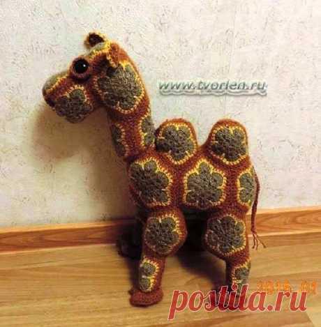 """Верблюд крючком из мотивов """"африканский цветок"""". Схема"""
