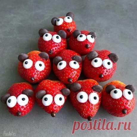 Чудесные персонажи из фруктов: таких милашек и съесть жалко