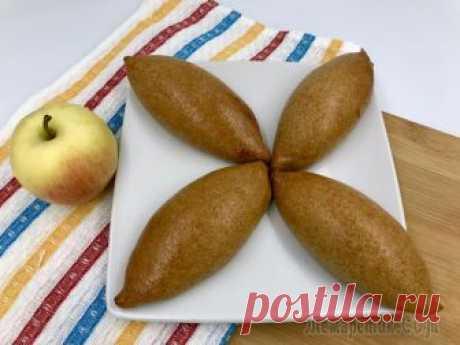 Творожные пирожки с яблоком Ароматные диетические пирожки из творога и яблок в духовке. Творожное тесто с цельнозерновой мукой, без яиц (для красоты я смазала пирожки яйцом перед запеканием, но это не обязательно). Отличный поле...
