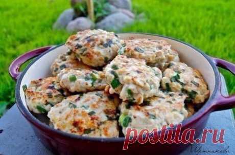 Рубленые куриные котлеты  Ингредиенты:  Филе грудки — 1 кг Показать полностью...