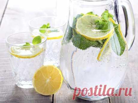 Как пить лимонную воду, чтобы терять вес – советы профессиональных диетологов!