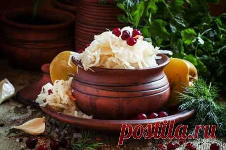 Квашеная капуста - 8 классических рецептов на зиму (хрустящая)