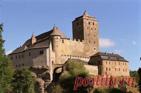 Замки Чехии возле Праги: 6 интересных мест, которые стоит увидеть Если вы любите посещать замки, вам непременно будет интересно в Чехии. В этой небольшой стране насчитывается более 2000 замков. Начинать знакомство с ними можно в Праге. Но вам все же стоит обратить в...