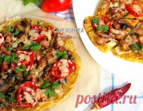 Картофельная пицца на сковороде. Ингредиенты: картофель, яйца куриные, соль