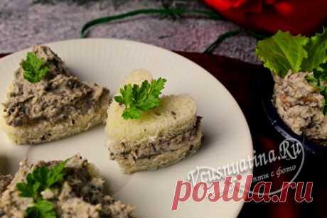 Грибной паштет из шампиньонов с плавленным сыром: рецепт