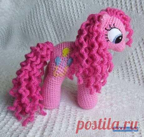 Схема вязания пони крючком: подробный МК для розовой пони Простая схема вязания пони крючком с описанием и подсказками. Мастер - класс по вязанию амигуруми пони крючком. Вяжем розовую фэнтази пони.