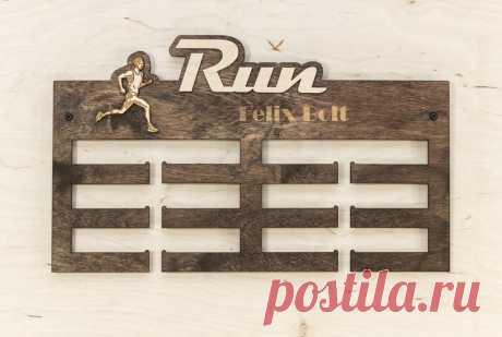 Держатели токенов для тележек - Деревянная вешалка для мешков RUN - выставка медалей - уникальный продукт от PromiDesign на DaWanda