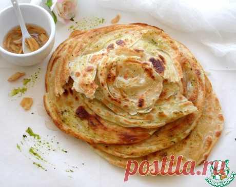 """Индийские лепешки """"Паратха"""". По составу они представляют собой индийскую версию слоеного теста. Хлеб Паратха отлично подходит к блюдам из курицы, мяса, салатам, и овощам. Очень вкусные, слоённые, хрустящие лепёшки, рекомендую вам их приготовить. Начнём."""