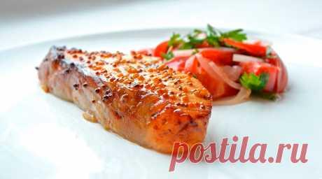 Запеченный лосось в медово-горчичном соусе   pp day 🥑 Запеченный лосось в медово-горчичном соусе - это идеальное блюдо для праздничного стола 🍌 Bаши гости будут в восторге! 🍎