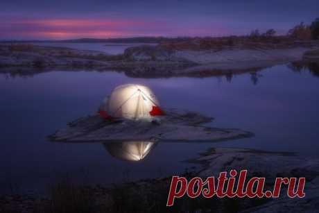 Осенняя ночь на Ладоге. Автор фото – Александр Кукринов: nat-geo.ru/community/user/169085/ Добрых снов.