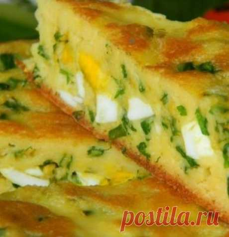 Пирог с яйцами и луком