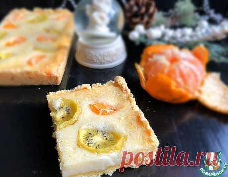 Сметанный пирог с мандаринами и киви – кулинарный рецепт