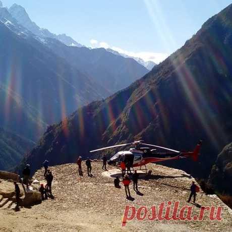 Вертолётная площадка в Намче Базаре (3400). #горы,#гималаи,#непал,#намчебазар,#путешествия,#треккинг.