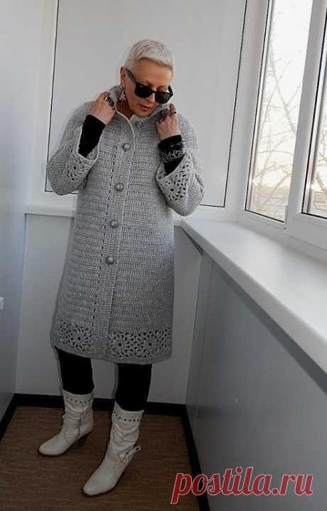 Элегантное пальто крючком от Натальи Филипповой