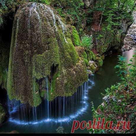 Познание Вселенной Водопад Бигар в Румынии, является одним из самых красивых водопадов мира.
