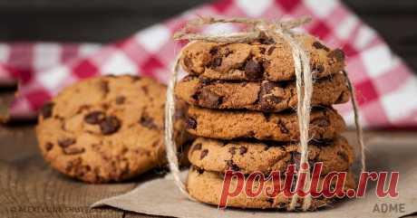 10рецептов вкуснейшего печенья, которое готовится за15минут Редакция AdMe.ru знает, как мало времени остается на десерты, и поэтому собрал 10 рецептов самого нежного и вкусного печенья, которое выпекается всего 15 минут.
