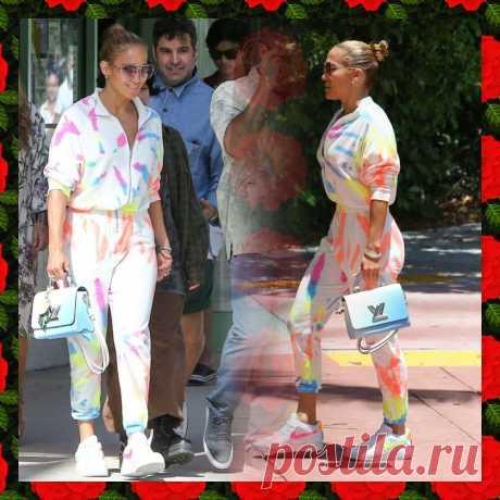 Дженнифер Лопес в модном комбинезоне этого лета   Вокруг интернета   Яндекс Дзен