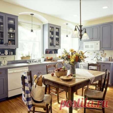 Интерьеры кухни в домах