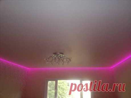 Натяжной потолок со светодиодной подсветкой.