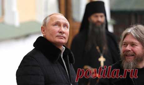Что разглядели вчастном визите Владимира Путина вПсково-Печерский монастырь
