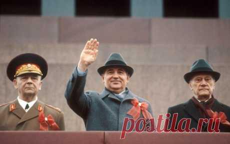 7 ноября 1990 года: кто стрелял в Горбачева на Красной площади