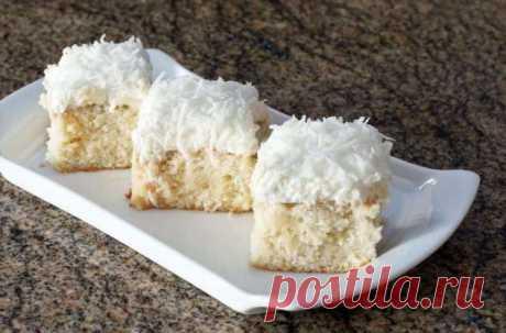 Тающий во рту сливочно-кокосовый пирог: всё смешиваем и ставим в духовку на полчаса | Краше Всех