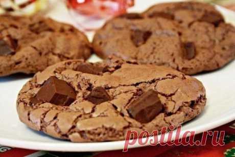 Шоколадное печенье - Пошаговый рецепт с фото своими руками Шоколадное печенье - Простой пошаговый рецепт приготовления в домашних условиях с фото. Шоколадное печенье - Состав, калорийность и ингредиенти вкусного рецепта.