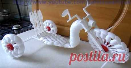 Tricycle from plastic spoons