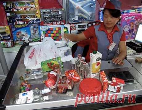 5 вещей, которые экономные люди делают на кассе в супермаркете | весело живем на 30K | Яндекс Дзен