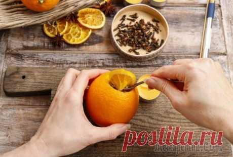 8 причин не выбрасывать апельсиновую кожуру, а лучше принести с рынка еще парочку кило фруктов Апельсин – вкусный и ароматный плод, любимый многими.Его можно есть просто так, выжимать, делать из него вкусные десерты. А вот апельсиновые корки чаще всего безжалостно выбрасываются в мусорное ведр...