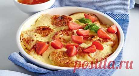 El desayuno increíble: los Pasteles de requesón cocidos con la crema agria