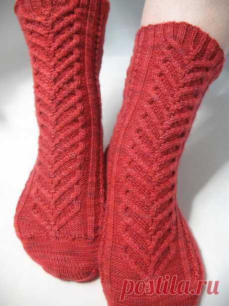 Как вязать носки спицами. Красивый узор для вязания носков   Домоводство для всей семьи.
