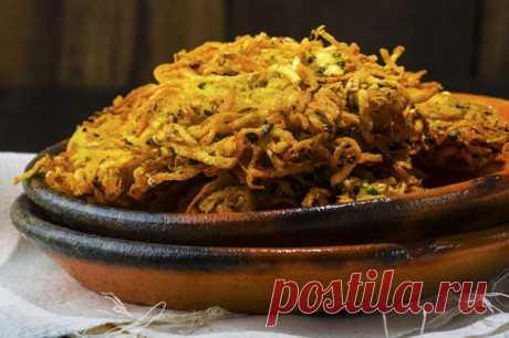 10 блюд из картофеля на каждый день      Всего лишь 200 лет назад картофель воспринимался в России как весьма диковинная культура. Важным пищевым продуктом он стал считаться только после «картофельной революции» времен Никол…