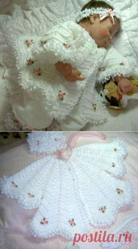 Крестильное платье для малышки крючком.