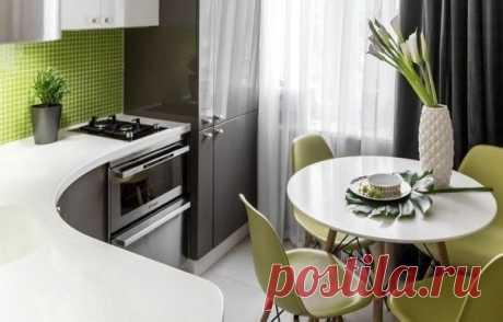 Оформляем кухню в панельке: как это делают профи Кухонная мебель в один ряд и стол со стульями в противоположном углу — можно ли вырваться из этой типовой планировки кухни? Свежими идеями делимся на примере проектов российских дизайнеров. Какая идея вам понравилась больше?
